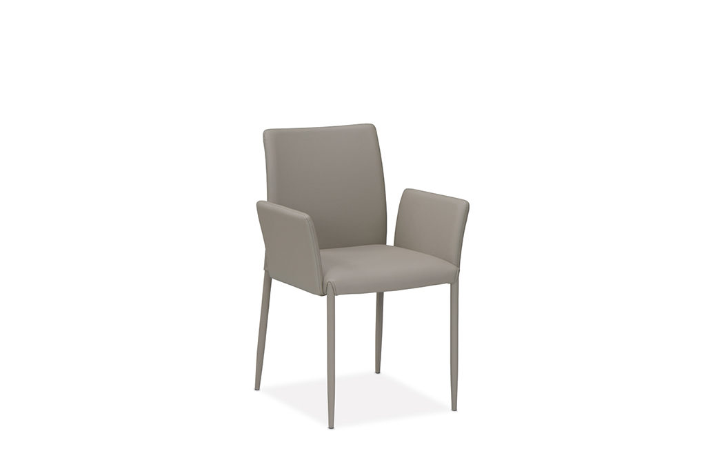 Chiara-front-2-1024×680