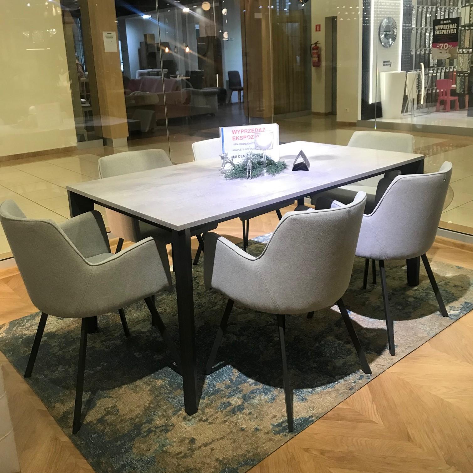 Stół DIAMANTE i krzesła NELLY