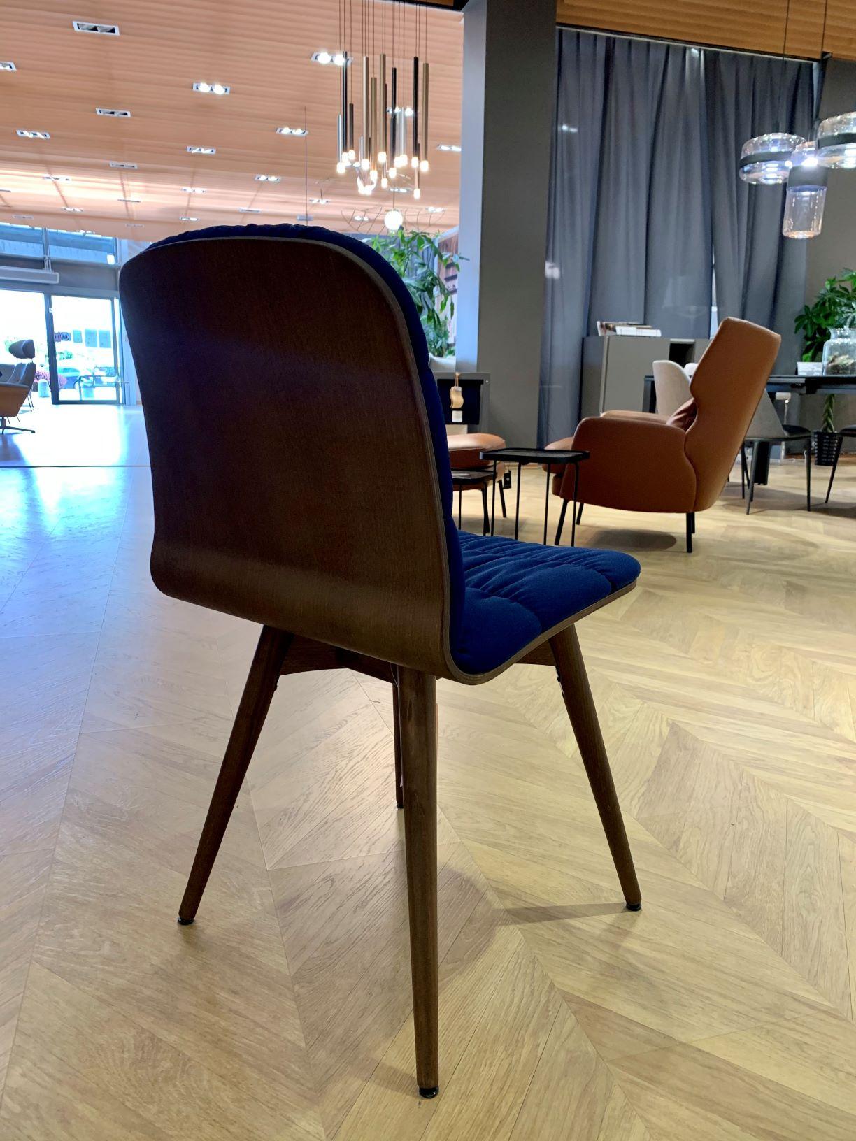 krzesło LIU1